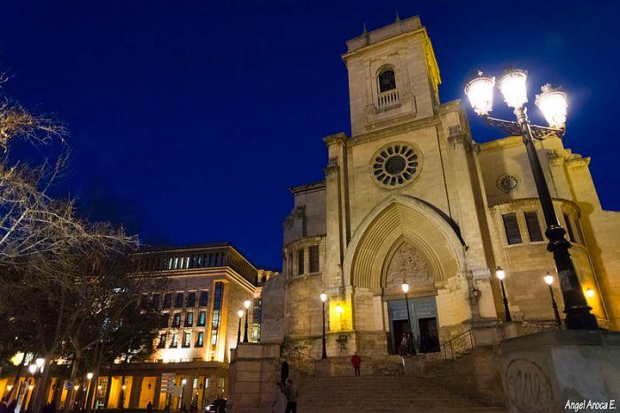 800px-Catedral_de_Albacete,_San_Juan_AAE4385