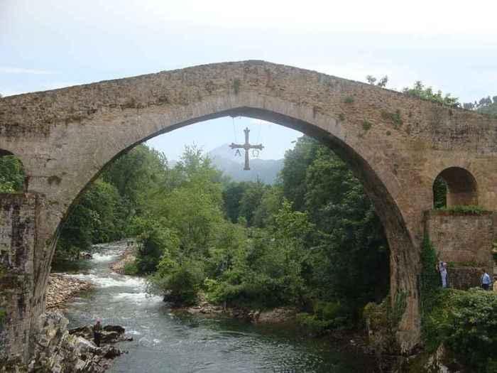 Cangasdeonis puente