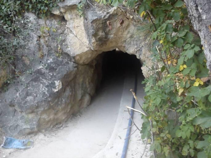 Entrada a la cueva del Agua 2