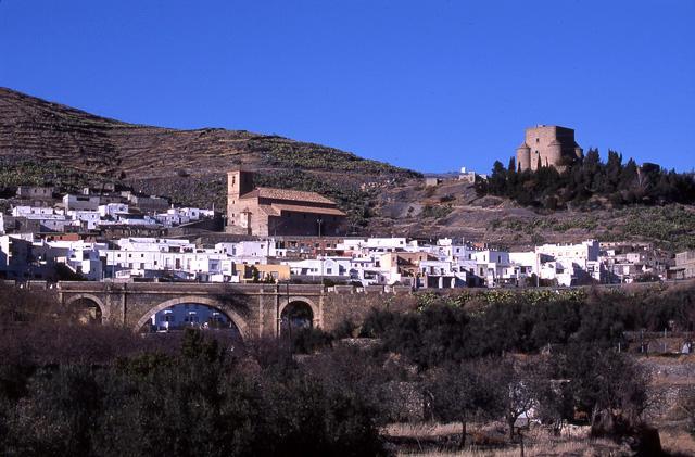castillo de gergal y pueblo
