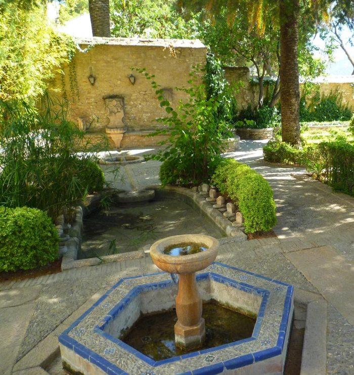 Jardines-en-el-Museo-de-Ronda-Málaga